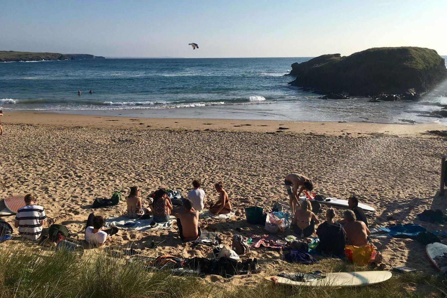 Team-social-on-the-beach-Idenna-Creative